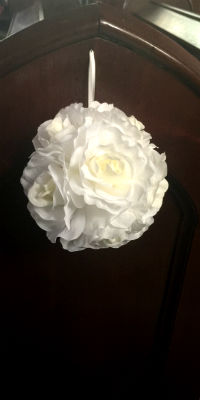Pew Decorations Cream Rose Balls 200x400